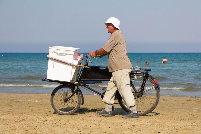 Plaja Mackenzie Larnaca Cipru