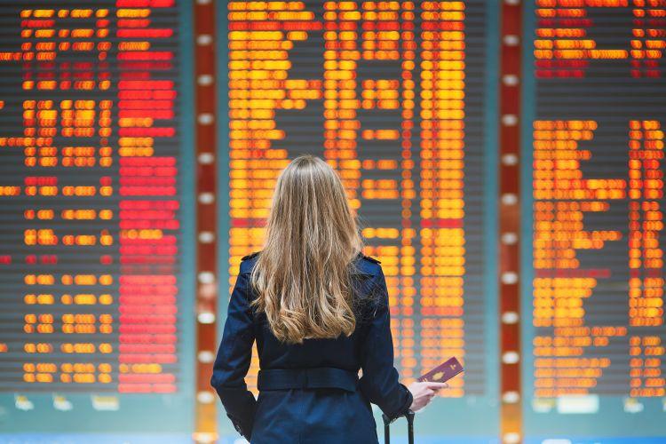 Zbor avion doar cu bagaj de mana