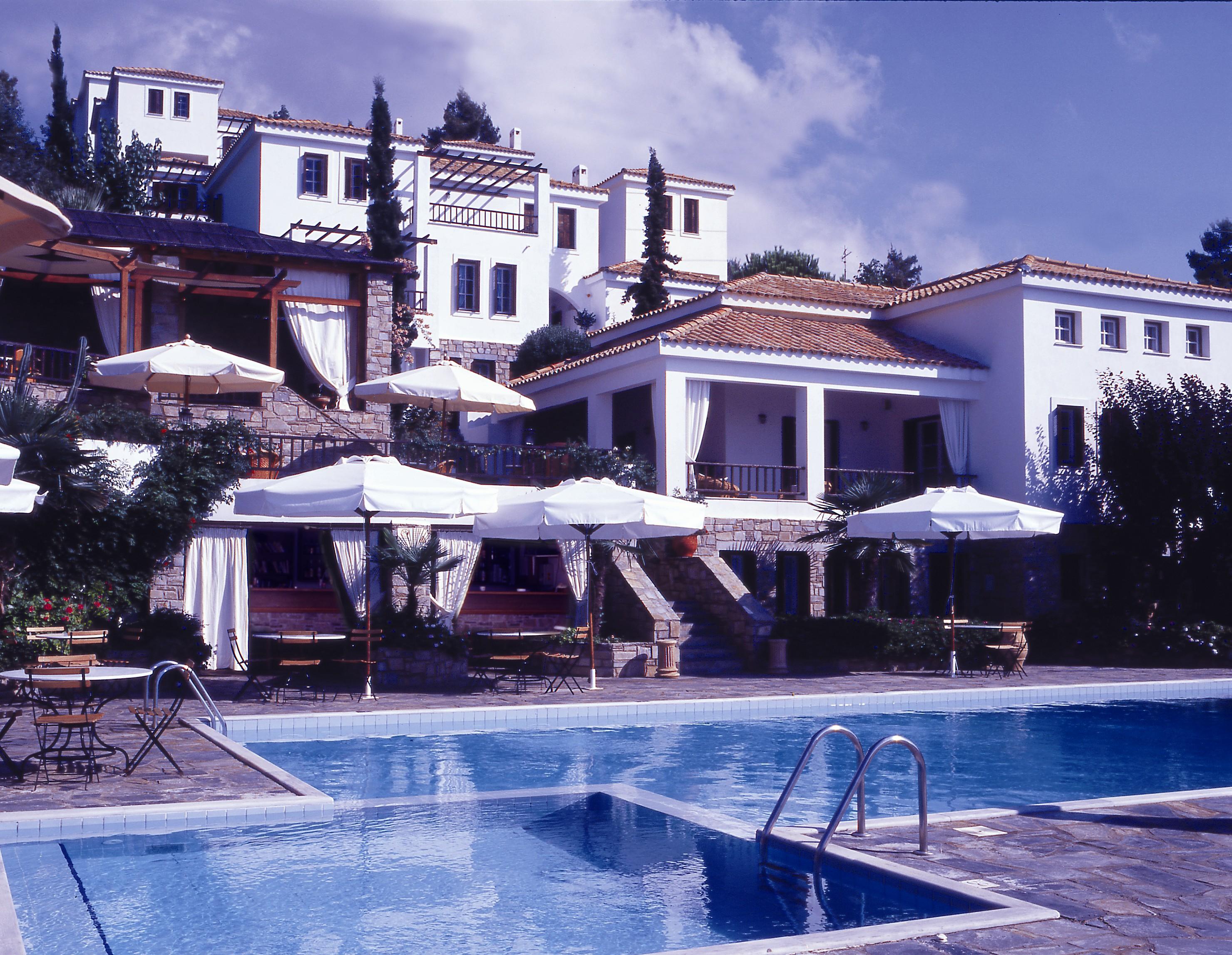 Rezervari hotel kanapitsa mare insula skiathos oferte for Hotel skiathos