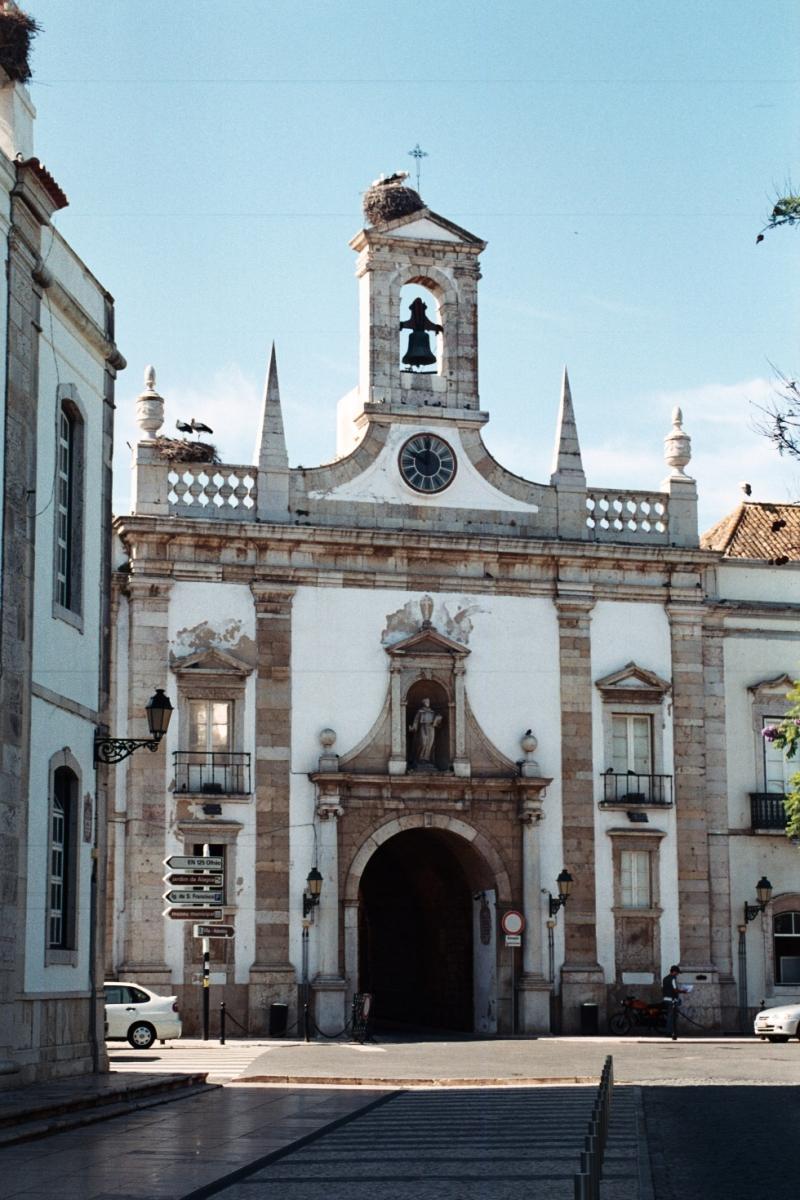 Faro Arco da Vila