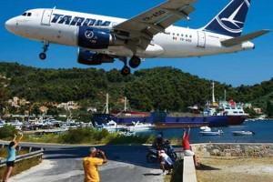 Pont 11 - Aterizări spectaculoase pe Aeroportul Skiathos!_01